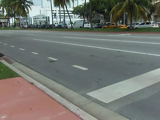 Jazz on South Beach Hostel : vue sur la rue :::