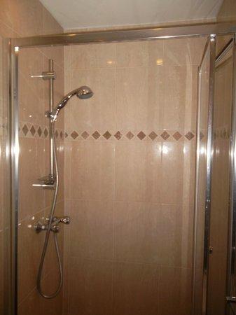 Tony's House Hotel: La doccia della camera