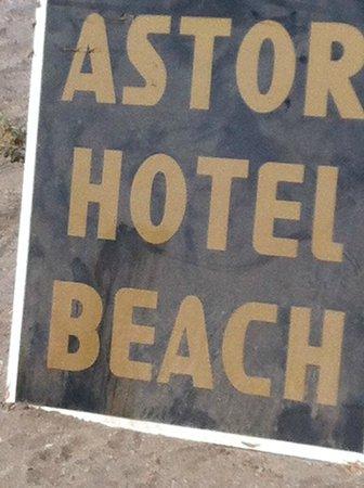 Grand Astor Beach Hotel: Hotel Beach .