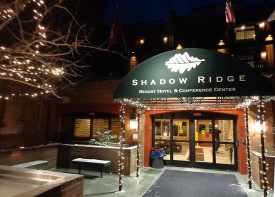 Shadow Ridge Resort Hotel : Enrance to the hotel