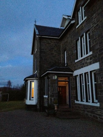 Loch Shiel House Hotel Restaurant: Very warm and welcoming