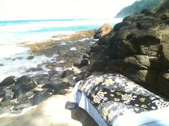 Aloha Massage Kauai: Beautiful beach massage!