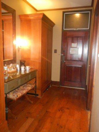 Rough Creek Lodge: Room Entrance