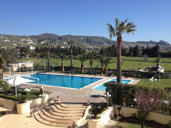 Club Hotel Kennedy: Piscina - vista camera terrazzìno