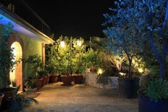 Villa Patrizia: giardino interno