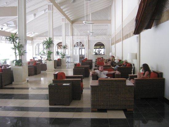 Vista Sol Punta Cana: Lounge Area