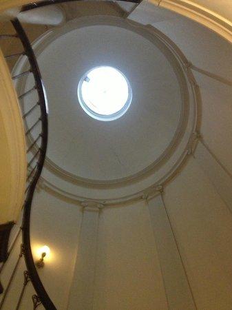 Hotel Patritius: Staircase