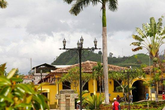 Hacienda la Esperanza: Downtown Copan