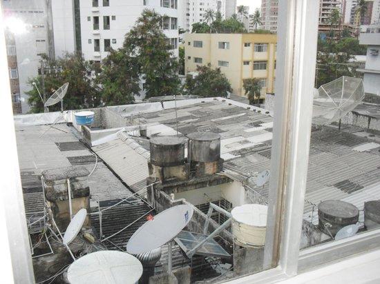 Hotel Exclusive Inn: Techo vecinos