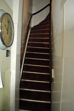 Bicycle Hotel: la prima delle 4 rampe di scale!!