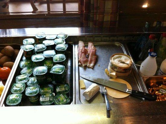 Levanna: Frühstücksbuffet rechts