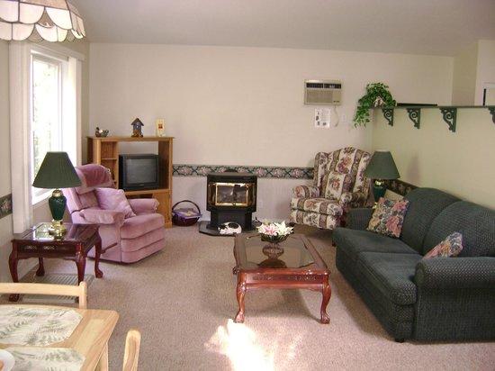 Westaways Water Walk B&B : Living area in Orchard Suite