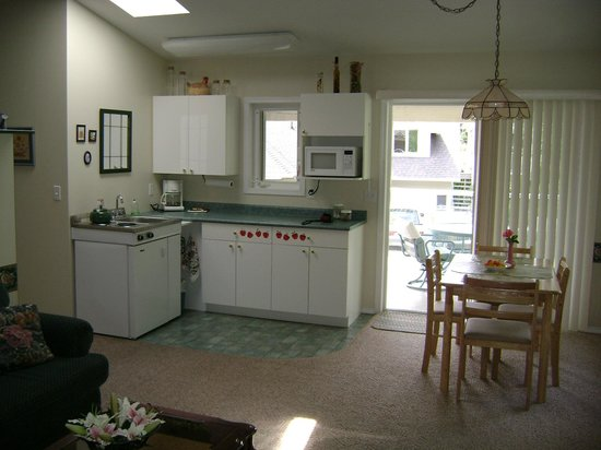 Westaways Water Walk B&B: Kitchenette  in Orchard Suite