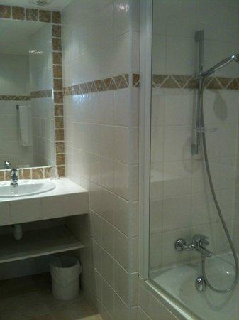 Le Mozart Hotel : salle de bain