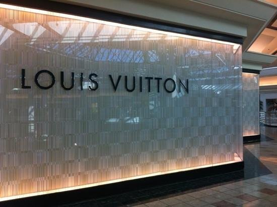 luxury store audit 2 essay 174 the journal of marketing place of purchase in general, customers divide their pur-chases among a number of stores they shop in more than one department store and in many specialty stores.