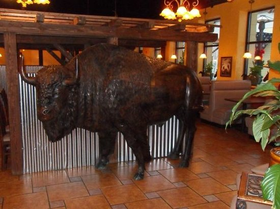 El Rancho Grande: This Bull stands inside the Resaurant, Kids Love it.