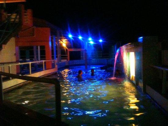 RASH Beachfront Resort: Pool