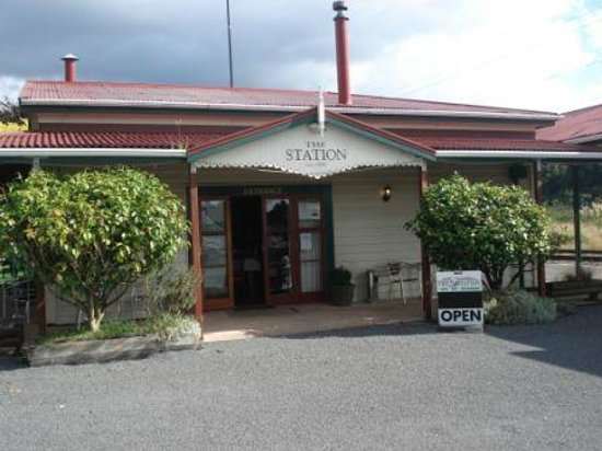 The Station Cafe and Restaurant: Come on in....