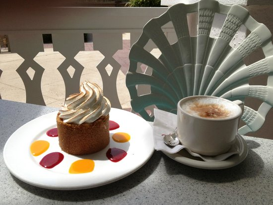 Olivia's Cafe: Key Lime Tart and cappuccino
