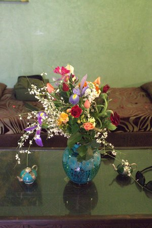 Riad l'Oiseau du Paradis: Flowers for our anniversary