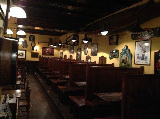 Panche Legno Per Pub.Le Caratteristiche Panche Di Legno Picture Of Elliot Pub Rome