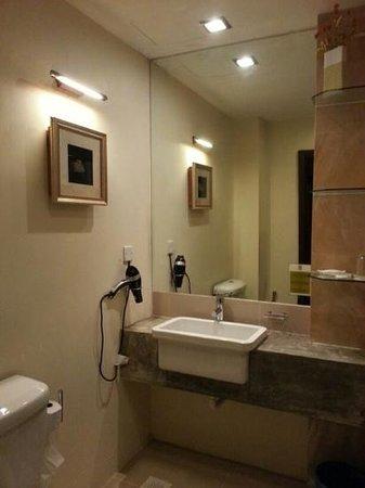 Hotel Havanita - Love the bathroom!!