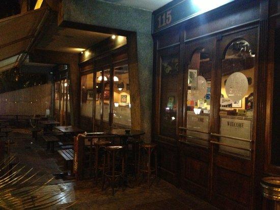 Tavoli Per Esterno Roma.I Tavoli All Esterno Del Pub Elliot Foto Di Elliot Pub Roma
