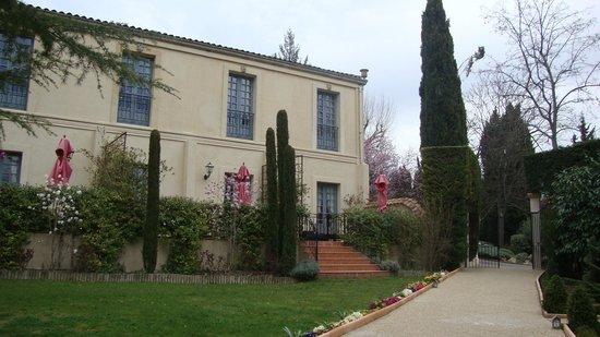 Villa Gallici : façade des chambres