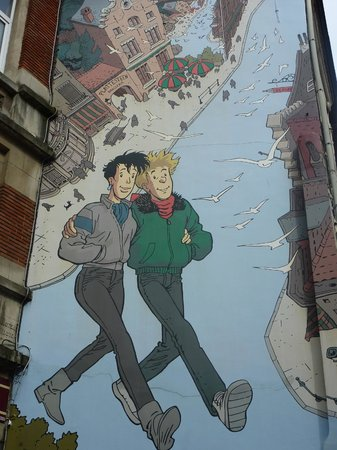 Royal Windsor Hotel: Comic Strip Murals on building walls