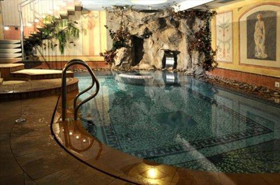 Hotel la soldanella reviews price comparison moena - Hotel moena piscina ...