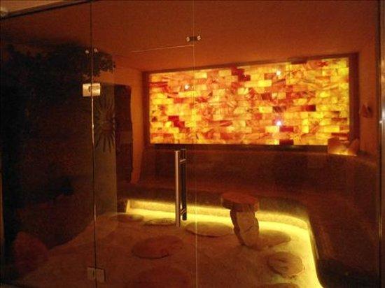 Hotel La Soldanella : Il centro fitness: la nuova stanza relax al sale!