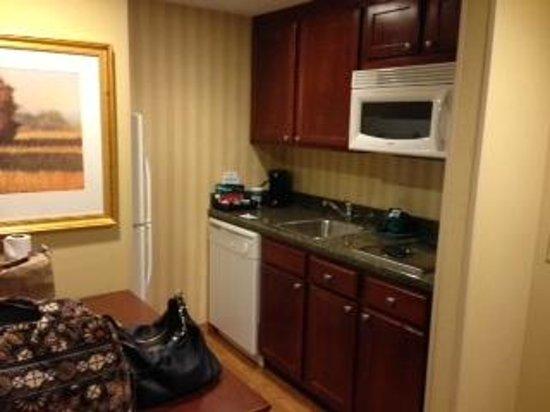 Homewood Suites by Hilton Jacksonville-South/St. Johns Ctr.: more kitchen
