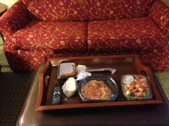 Homewood Suites by Hilton Jacksonville-South/St. Johns Ctr. : nice footstool for feet or your lunch in your room