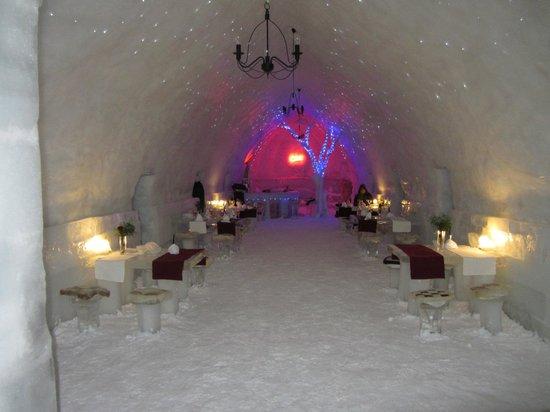 Ice Hotel Romania: Ice Hotel dining room