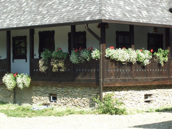 Hilde's Residence: The Cottage