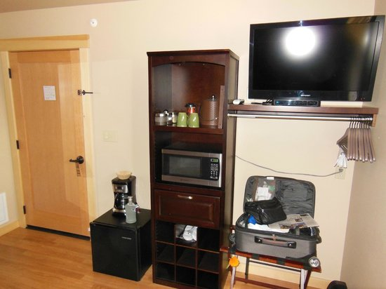 Twisp River Suites: Fridge, micro, Coffee maker & TV