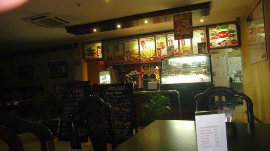 Pizza King/Wishbone Chicken: inside the restaurant