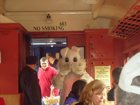 Wilmington, DE : Here comes the Easter Bunny!