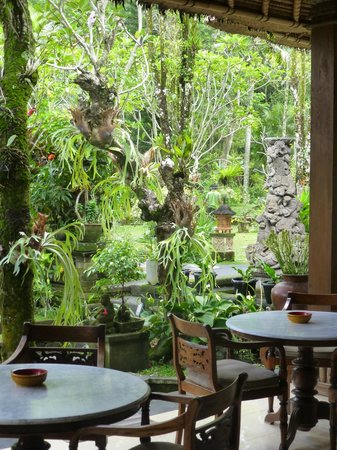 Alam Indah: Breakfast Area