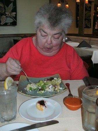 Linn's Fruit Bin Restaurant: super salad available for vegans