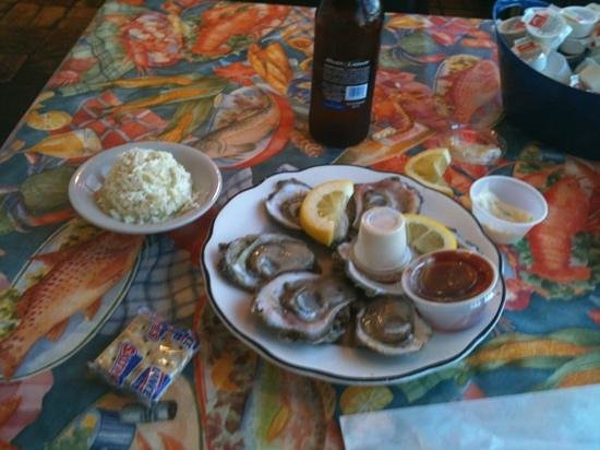 Seaman's Cove: oysters on the half-shell, fresh and briny