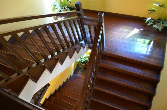 เชียงใหม่ บูทิค เฮ้าส์: Stairs