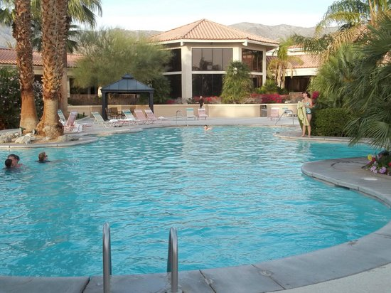 Miracle Springs Resort and Spa: wide angle hot springs pool pic