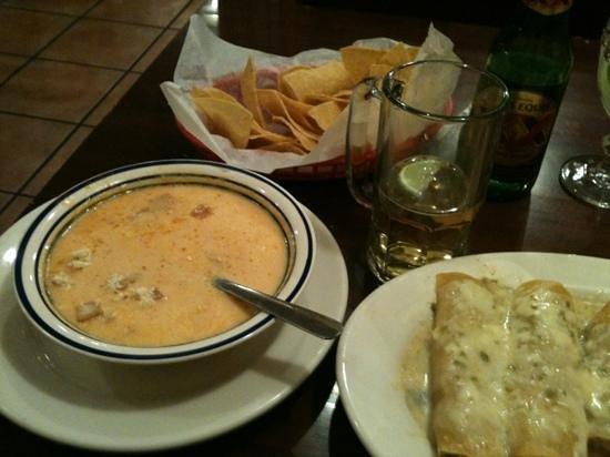La Fiesta Brava: Tortilla soup and Sour cream chicken enchiladas