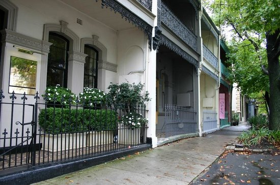Kathryn's on Queen : Historic Sydney Terrace House