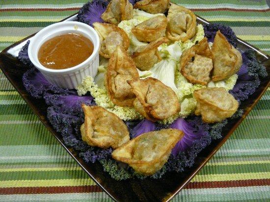 Sand Wedge Deli & Catering: Sesame ginger pork wontons w/mango chutney