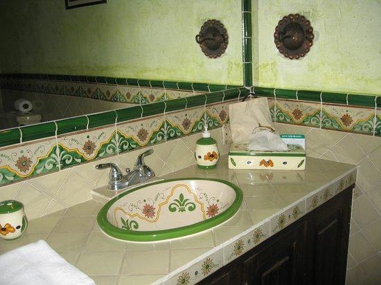 """Casa Madeleine: """"Suite"""" bath"""