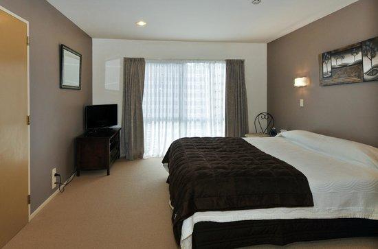 Springwaters Lodge: Mokoia room with garden view - sleeps 2-3