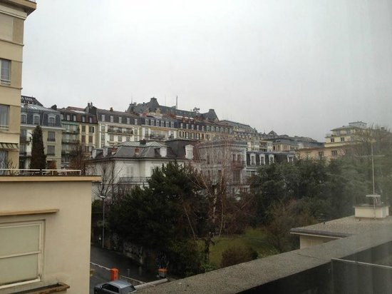 Continental hôtel Lausanne : 5/F, view from room.