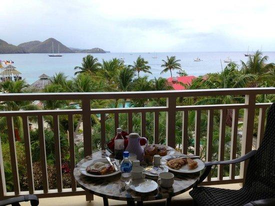 Sandals Grande St. Lucian Spa & Beach Resort: Room Service breakfast